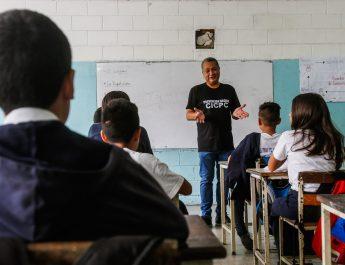 Charla de Prevención Social del Cicpc reciben más de 600 estudiantes en Caricuao
