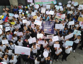 Senades promueve caminata infantil por la paz y el desarme en La Vega