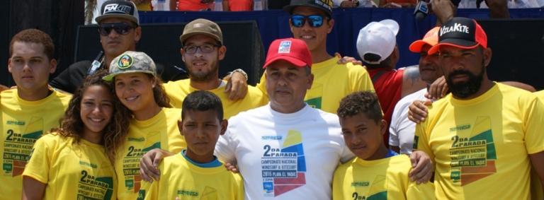 ONA patrocina práctica de Windsurf y Kitesurf deportes que no tienen edad